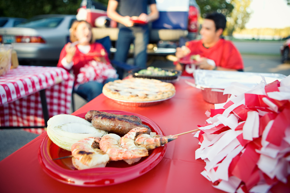 Healthy Tailgating Snacks that Won't Leave You Feeling Like a Linebacker